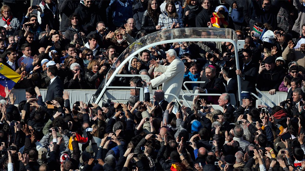 last general audience benedict XVI_popemobile