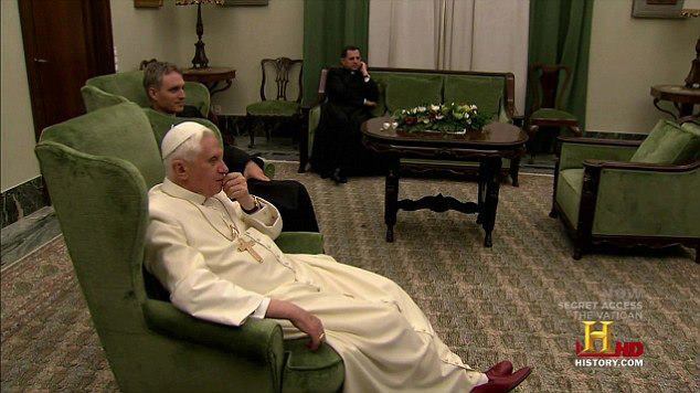 benedict watching conclave